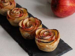 como hacer rosas de manzana